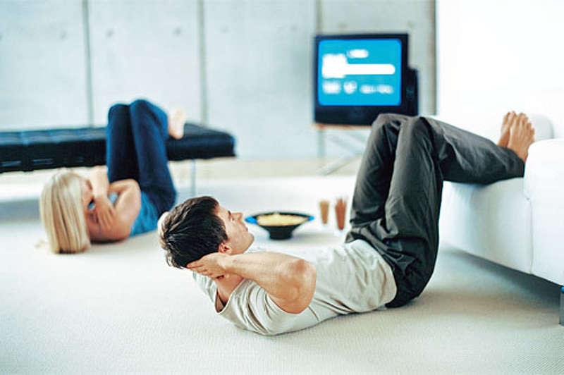fitnesz sport otthon tv elott gimnasztika joga pilates zumba tancs hatfajas torna hatfajdalom gerinctorna